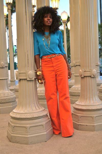 Orange + turquoise.- I love her!!! Think Im gonna try orange pants because of her!!