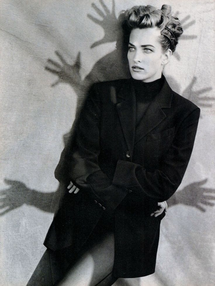 Vogue Italy Editorial October 1990 - Tatjana Patitz by Peter Lindbergh