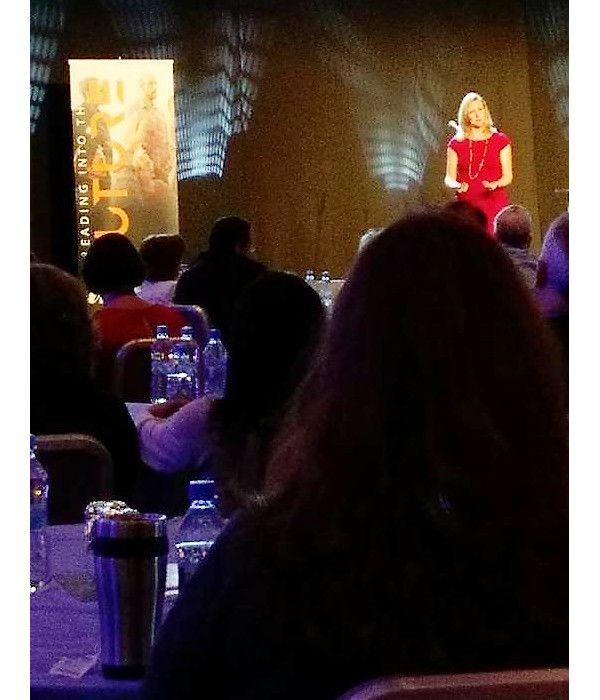 Lycka - går att träna upp. Som en av huvudtalarna vid det Global Leadership forum inom Internationella Coach Förbundet (ICF) som i dagarna genomfört i Warszawa presenterade Amy...
