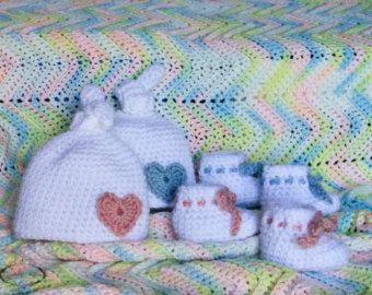 Newborn Baby Booties and Hat Set (White with Dusty Rose, Dusty Blue or Spring Green details)