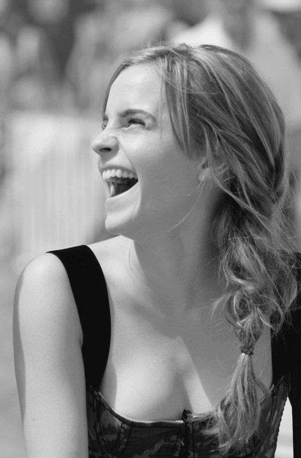 TSjZgfW - The sexiest photos of Emma Watson's body (30+ photos)