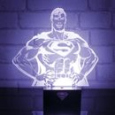 Shoppez le produit geek Lumière 3D Super Héro Superman DC Comics de marque DC Comics dans la catégorie Maison & Bureau - Vie de Geek au prix de 16,95 EUR sur Spoogeek France