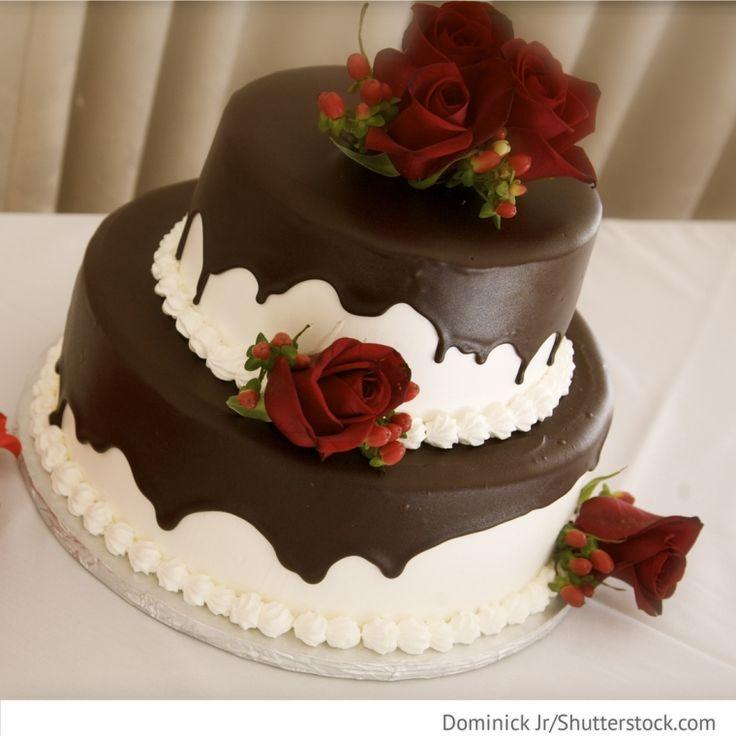 Torte mit Schokolade für Hochzeitsfeier