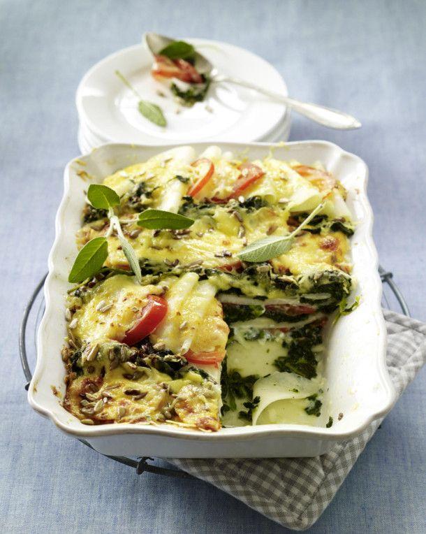 Unser beliebtes Rezept für Kohlrabi-Spinat-Lasagne und mehr als 55.000 weitere kostenlose Rezepte auf LECKER.de.