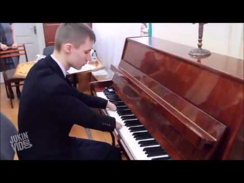 The Best Pianist in the world! (Incredible Music)