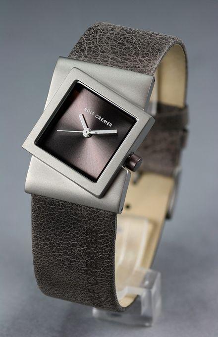 Rolf Cremer Damenuhr, 492357, Kollektion Turn * schlammfarbenes Armband und Zifferblatt, leichtes asymmetrisches Titangehäuse *