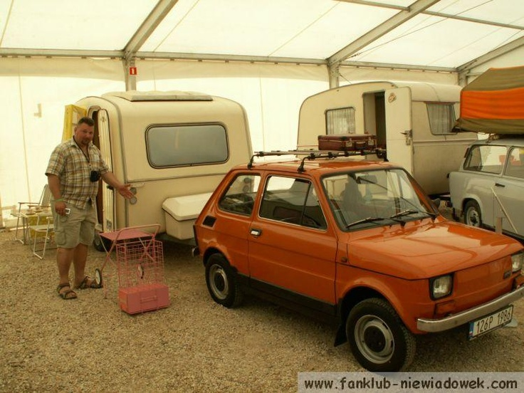 Polski Fiat with Predom caravan