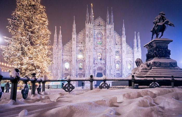 """""""Are you ready to enjoy #Christmas in #Milan, #Italy. Plan your #tour here http://www.benvenutolimos.com"""