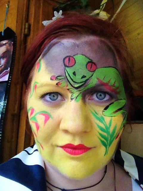 Frog face Halloween fancy dress