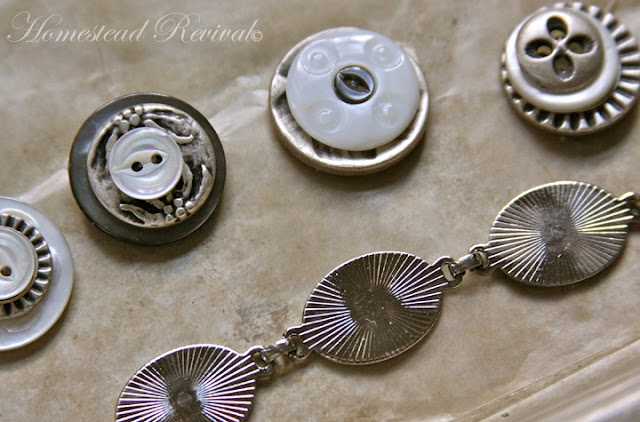 Homestead Revival: Button Bracelet Tutorial