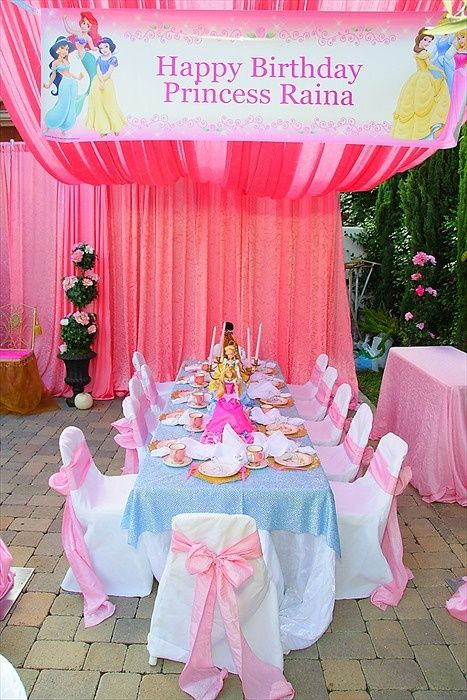 Disney Princess Birthday Party - wish I could set up a table like this