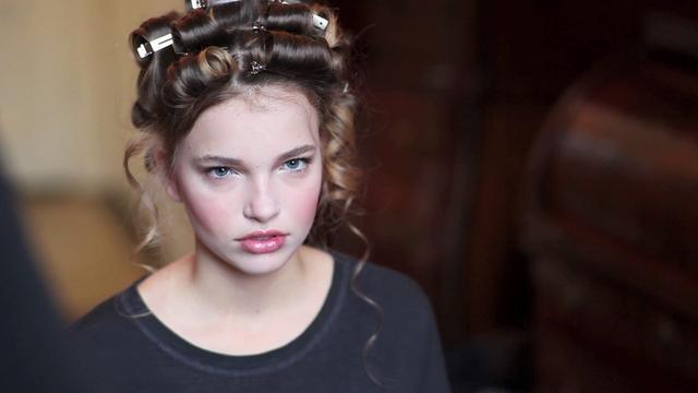 Fashion. Girlz! Magazine.  Photography by Vincent Kos. Movie shot by Kim Liong van Dam.  Location: Ridderkerk, Netherlands.  Duration: 02:57 min. / JL & Speedo - Mx.