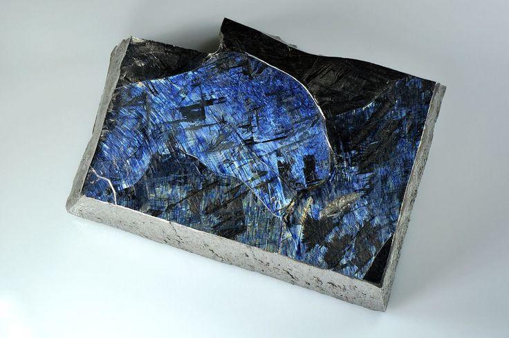 Titanium  http://earth66.com/geology/titanium/