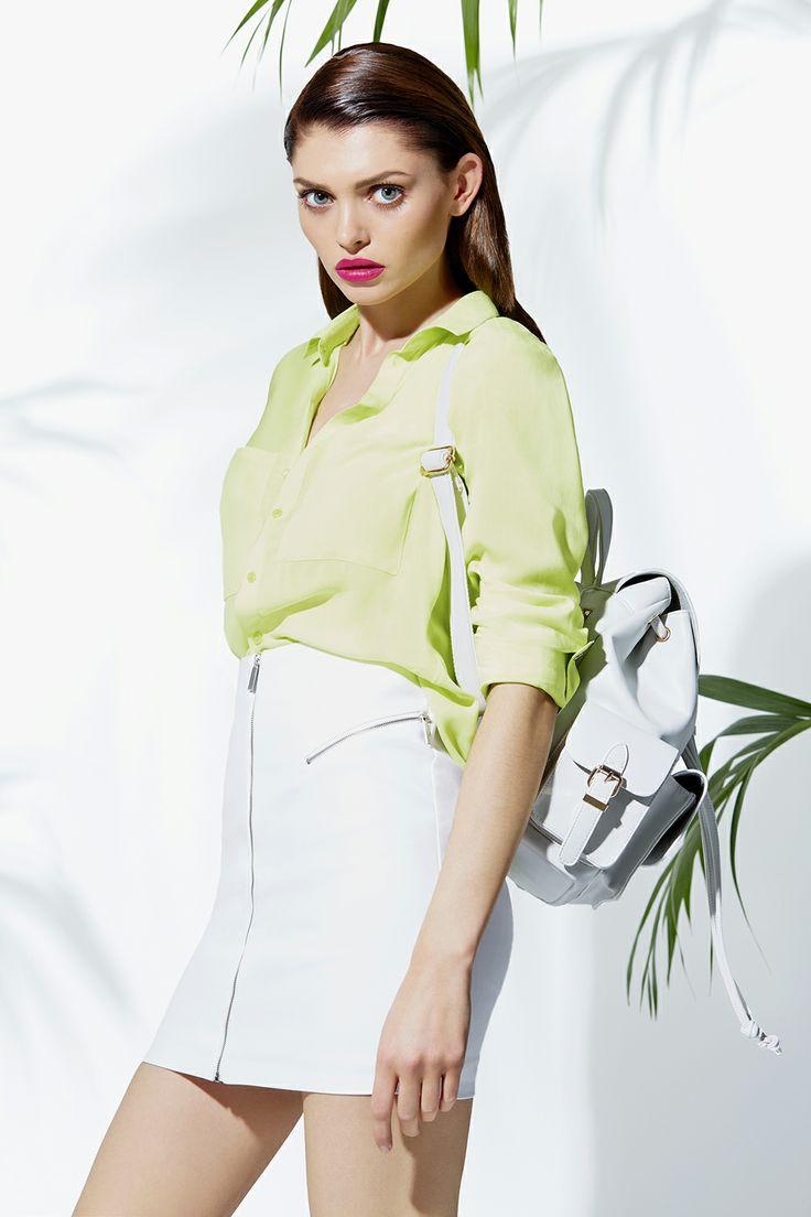 Neon shirt & white skirt #neon #fashion #fluo