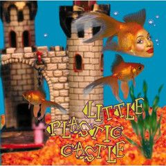 ani difranco - Little Plastic Castle-   1.	Little Plastic Castle	   2.	Fuel		  3.	Gravel		  4.	As Is		  5.	Two Little Girls		  6.	Deep Dish	   7.	Loom		  8.	Pixie		  9.	Swan Dive		  10.	Glass House	  11.	Independence Day		  12.	Pulse