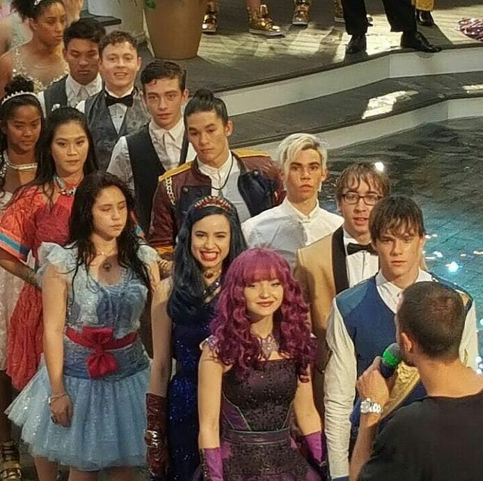 The Descendants 2 cast in the ending number of the movie You And Me