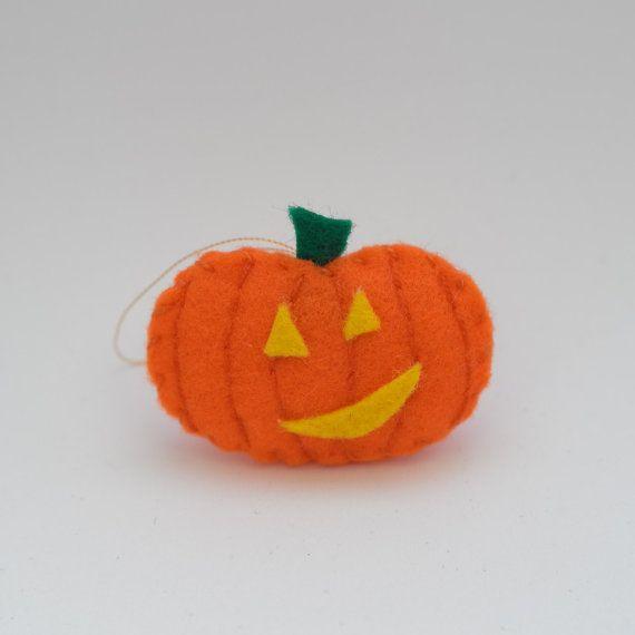 Smiling pumpkin  halloween decor trick or by HalloweenOrChristmas