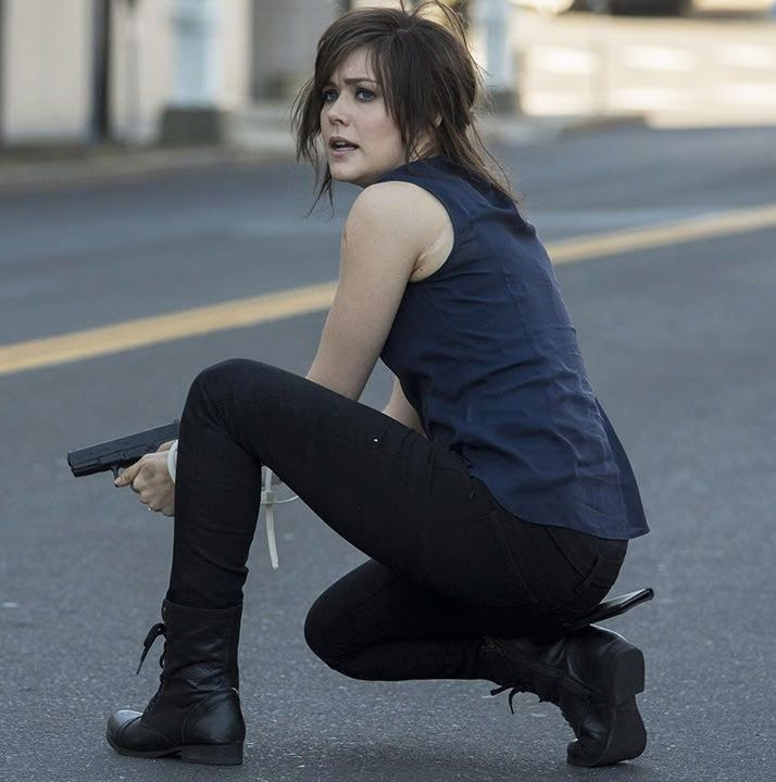 Elizabeth Keen from The Blacklist // love the pants and boots.