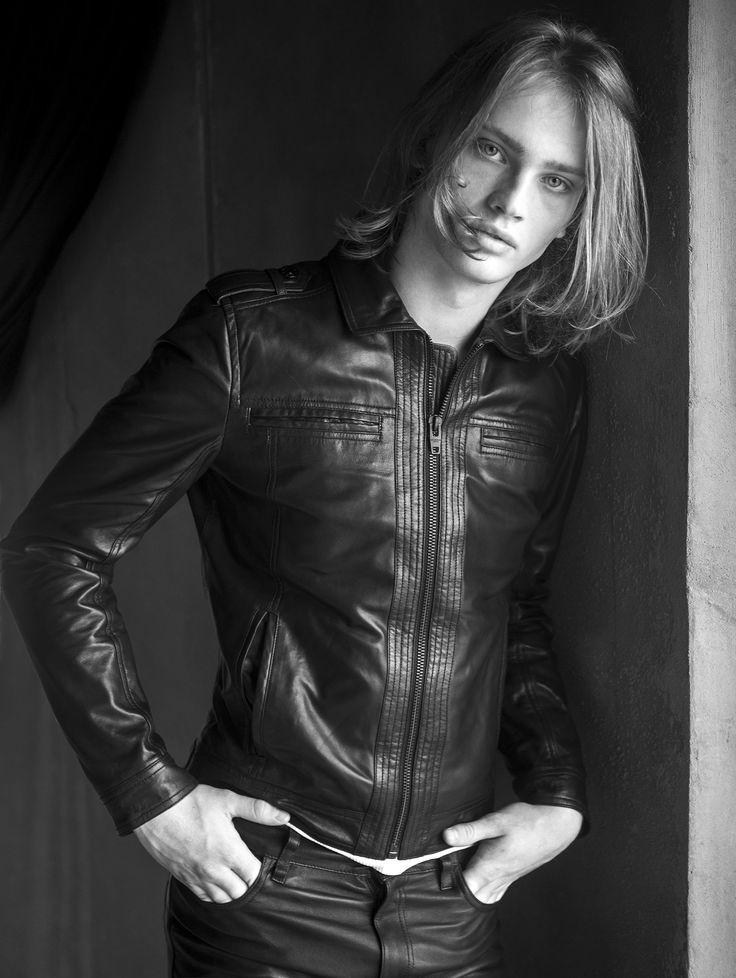 Buckley -  Rockandblue AW17.  Photo: Ricardo Gomes.  Model: Måns Åberg.