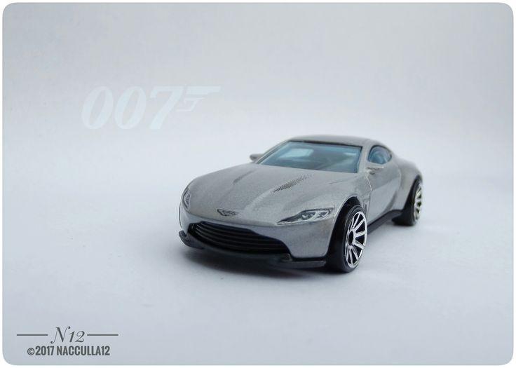 Aston Martin DB10 James Bond 007 spectre diecast scale 1:64