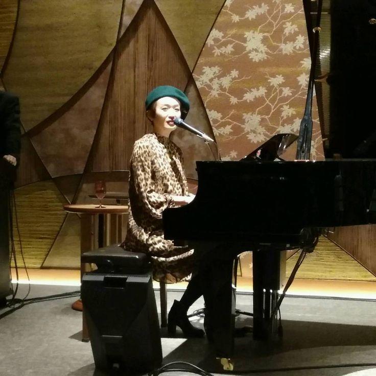 2017.02.25 ルンヒャン @ グランドプリンスホテル新高輪アーバンミュージックラウンジもみじ  TOKYO CRITTERSのメンバー、ルンヒャンのライブを見にグランドプリンスホテル新高輪アーバンミュージックラウンジもみじに行ってきました。  ノラ・ジョーンズ「Don't Know...