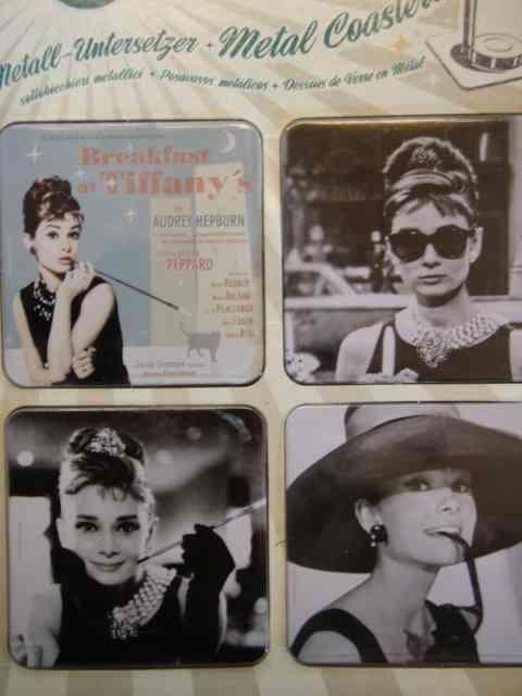 Audrey Hepburn lasinaluset yleensäkkin :) www.peltikyltti.fi