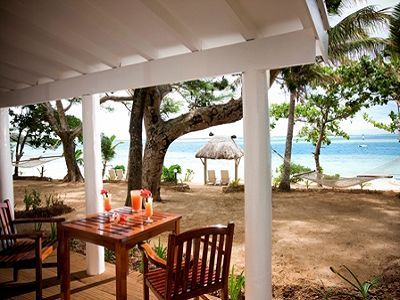 Malolo Island Resort - Fiji - where Bryan and I should spend our Christmases. Or the whole winter ;)