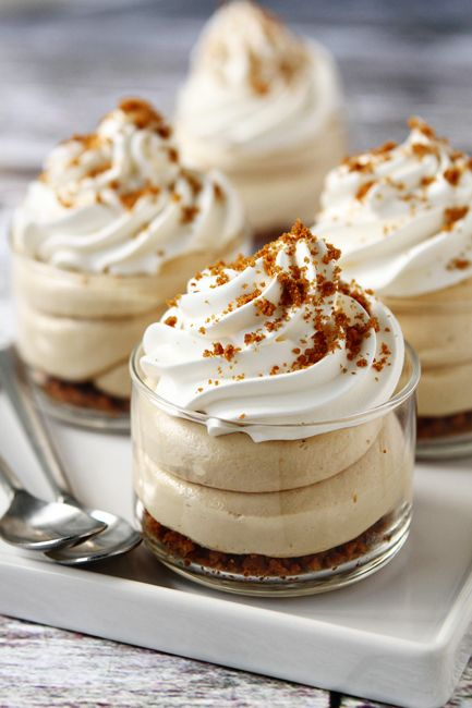 Biscoff No Bake Cheesecake | mybakingaddiction.com