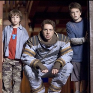 So kid on the far right, yeah that's Josh Hutcherson!! Did not know he was in Zathura!!