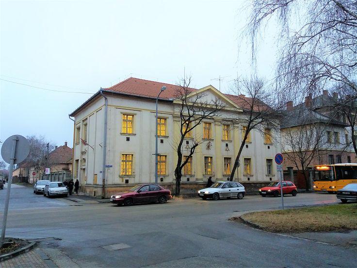 Iskolatörténeti gyűjtemény (egykori általános iskola) (Nagykőrös) http://www.turabazis.hu/latnivalok_ismerteto_3248 #latnivalo #nagykoros #turabazis #hungary #magyarorszag #travel #tura #turista #kirandulas