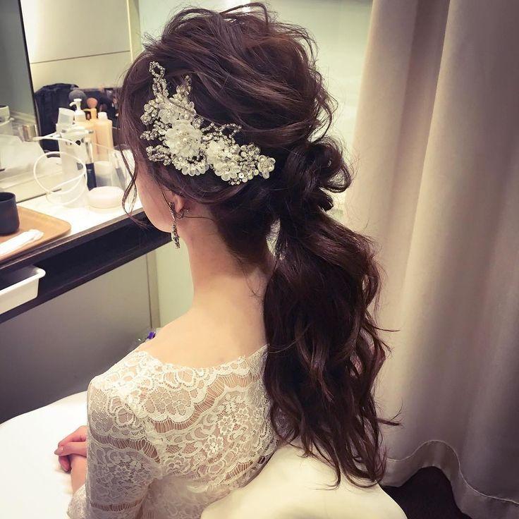 いいね!54件、コメント1件 ― marina.yamaguchiさん(@kotonayamari)のInstagramアカウント: 「宴前チェンジ☺︎ ポニーテール ゆるっとした髪に飾りがかわいくて(*^_^*) 好評だったと教えていただいてとても嬉しかったです(*^_^*) #hair #hairdo #hairstyle…」