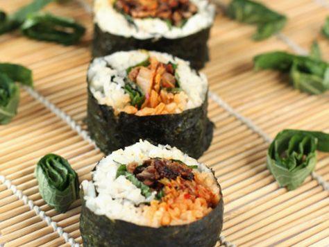 Bulgogi Kimchi Gimbap Wrapped in Sesame Leaves | Korean Food Gallery – Discover Korean Food Recipes and Inspiring Food Photos