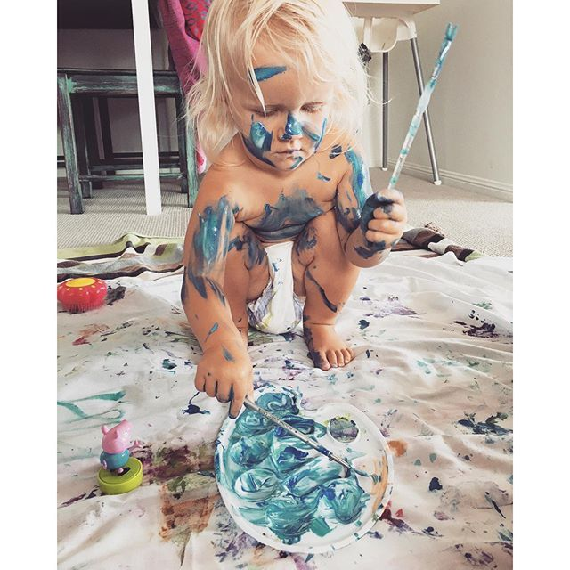 Instagram media vanessa_prosser - Very serious artist at work