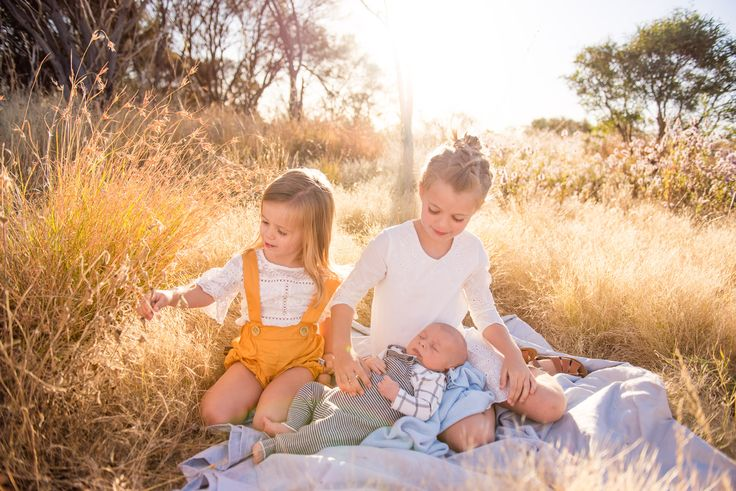 Family Photos in Tom Price WA by WA Photographer Felicity Ford