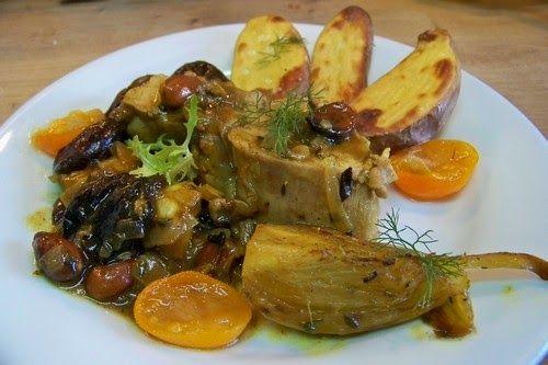Filet mignon de veau sauce colombo aux pruneaux et aux abricots secs