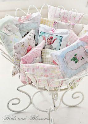 Little pillow sachets