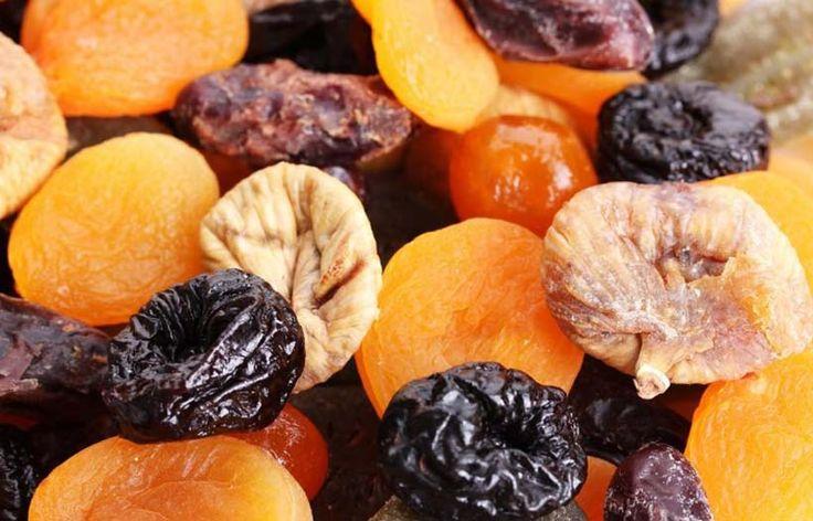 Всего лишь 3 фрукта на ночь восстановят позвоночник и добавят сил! Каждый вечер перед сном в течение 1,5 месяцев съедайте: — курагу — инжир — чернослив В таком соотношении: 1 плод инжира (смоковницы) 5 сушеных абрикосов (кураги) 1 плод чернослива Эти плоды содержат вещества, которые вызывают восстановление тканей, составляющих межпозвонковые мягкие диски. Также эти вещества …