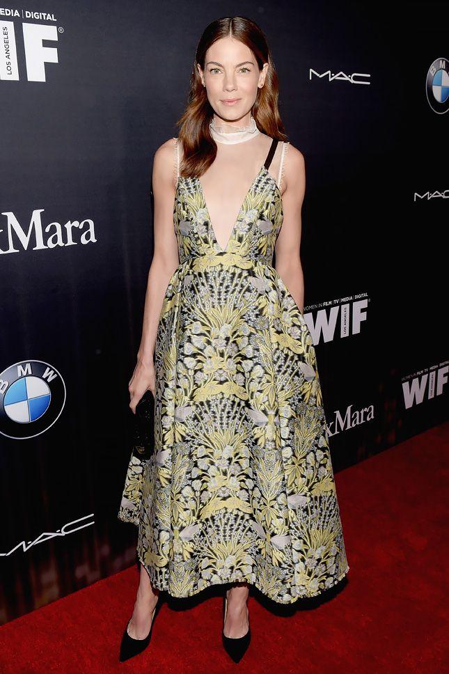 Мишель Монаган в Erdem на предоскаровской вечеринке Women In Film в Голливуде