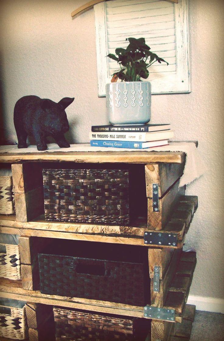 des palettes en bois pour fabriquer une commode meuble palette pinterest bricolage. Black Bedroom Furniture Sets. Home Design Ideas