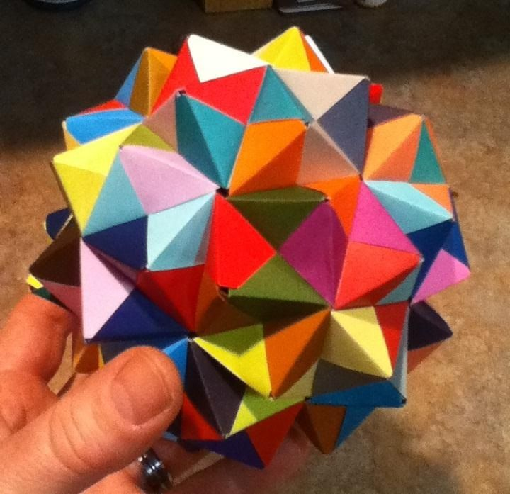 Modular Origami: How to Make a Cube, Octahedron & Icosahedron from Sonobe Units « Math Craft