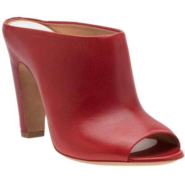 MAISON MARTIN MARGIELA mule sandal (2.345 BRL) ❤ liked on Polyvore featuring shoes, sandals, heels, mule sandals, heeled sandals, high heeled footwear, red leather sandals and chunky heel shoes