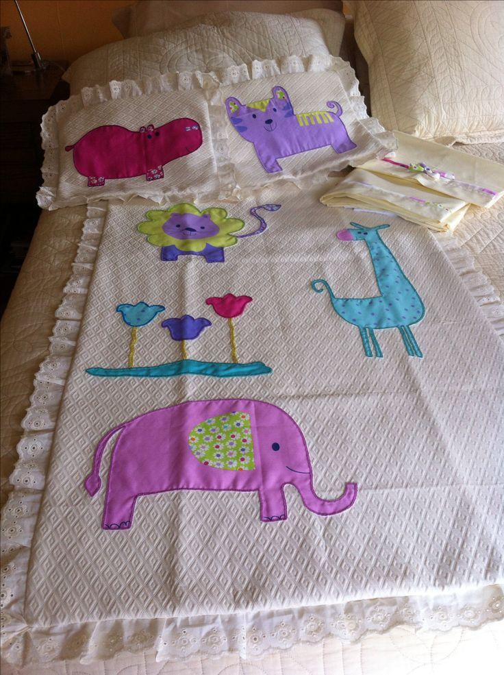 Cobertor , cojines y sábanas