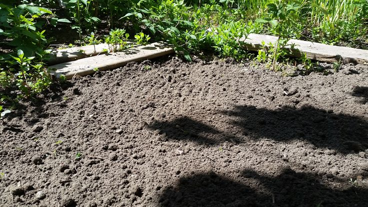 Preparing the Soil via Garden Rockin' #veggiegardens ~ The following #vegetable #garden #soil mixture #recipe is my most favorite soil mix for growing vegetables, flowers and gardens, in general. Come have a gander! @GardenRockin @Jes
