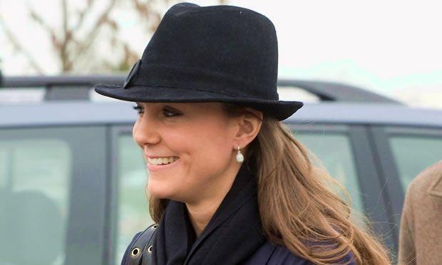 Os acessórios de cabelo de Kate Middleton - Cabelos - MdeMulher - Ed. Abril