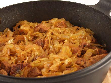 Carne+de+porc+cu+varza+murata+(Pomana+porcului)
