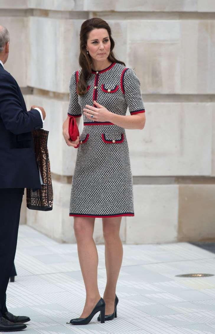 Księżna Kate po raz PIERWSZY w sukience Gucci. Efekt? Dawno nie wyglądała tak dobrze. Niestety, cena zwala z nóg
