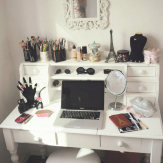 Vanity desk wow I need this  69 best ideas images on Pinterest Desk