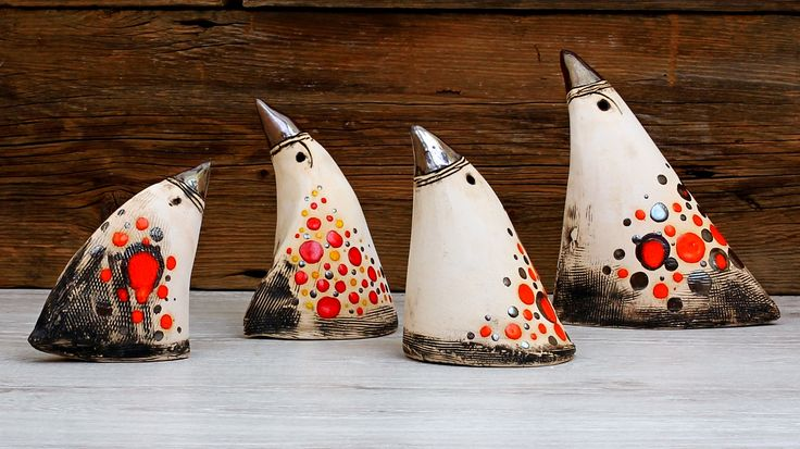 Ptaki ceramiczne, częściowo szkliwione.