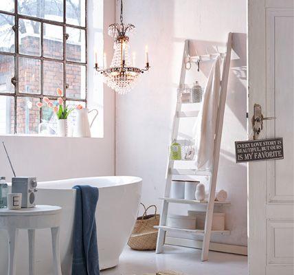 Ber ideen zu dekoration rund um badewanne auf pinterest - Living at home badezimmer ...