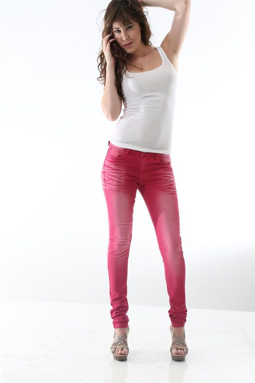 CHD-las03ls003a pants skinny jeans with light front and back fade by Chloe Deschanel (Women Chloe Deschanel)